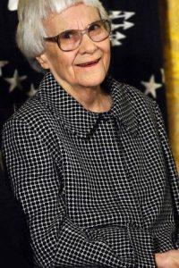 La escritora estadounidense Harper Lee fue conocida por su novela Matar un ruiseñor (To Kill a Mockingbird, 1960), obra ganadora del Premio Pulitzer, Foto:Getty Images. Imagen Por: