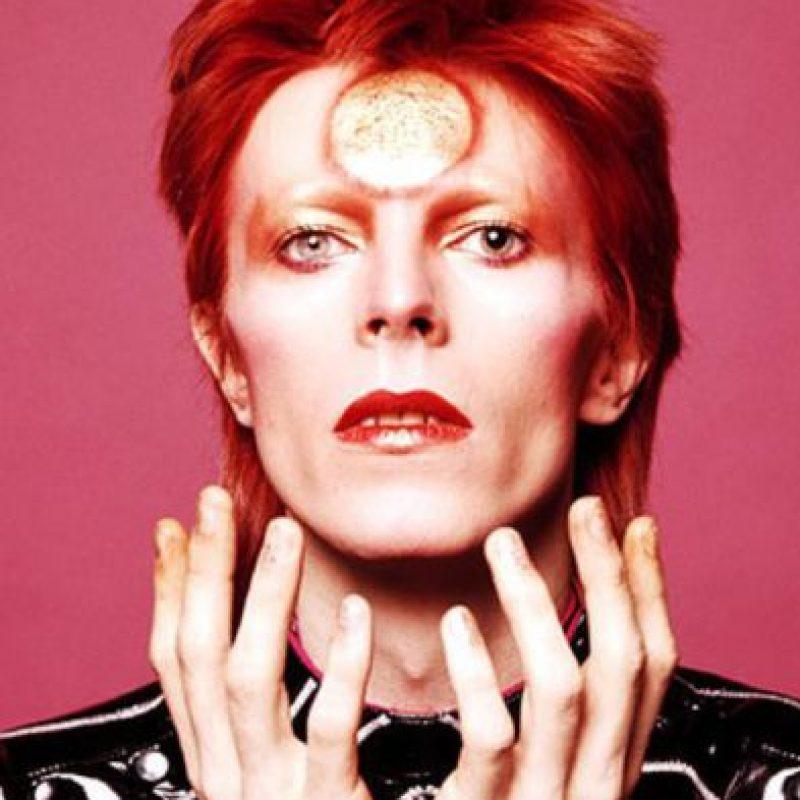 David Bowie fue músico, compositor, actor, productor discográfico y arreglista. Es considerado un ícono mundial del rock y la contracultura. Foto:Getty Images. Imagen Por: