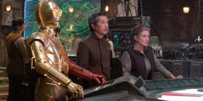 De los actores de la saga original se mantendrán Mark Hamill y Carrie Fisher. Foto:Vía facebook.com/StarWars.LATAM. Imagen Por: