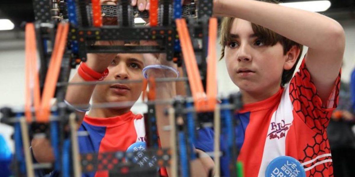 Boricuas sobresalen en competencia mundial de robótica
