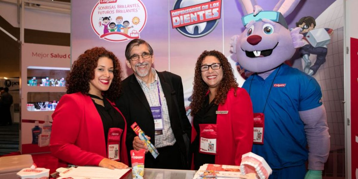 Colgate y Colegio de Cirujanos Dentistas celebran congreso anual del Caribe