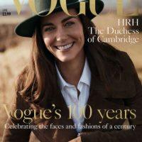 En esta foto provista por la edición británica de Vogue el domingo 1 de mayo de 2016, Catalina la duquesa de Cambridge posa en Norfolk, Inglaterra, en conmemoración por los 100 años de la revista. Foto:AP. Imagen Por: