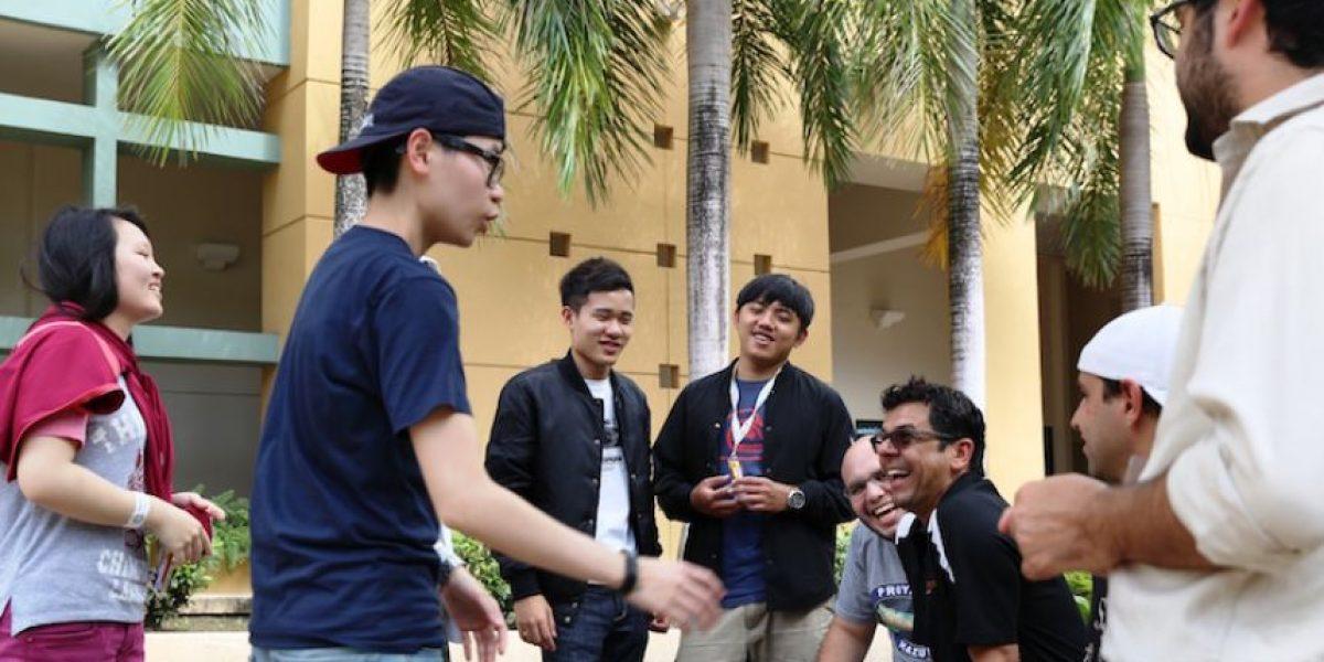 Estudiantes taiwaneses y boricuas buscan revitalizar la avenida Universidad