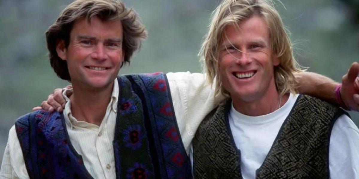 Rescatan cuerpos de dos alpinistas 16 años después