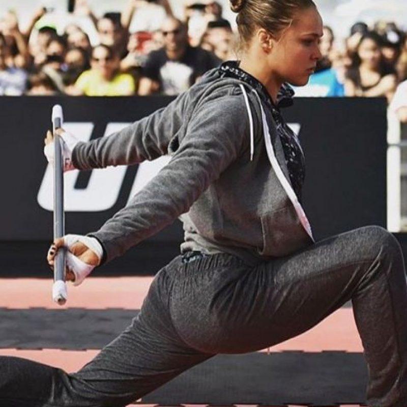 Ya entrena para recuperar el título que perdió con Holly Holm Foto:Vía instagram.com/rondarousey. Imagen Por: