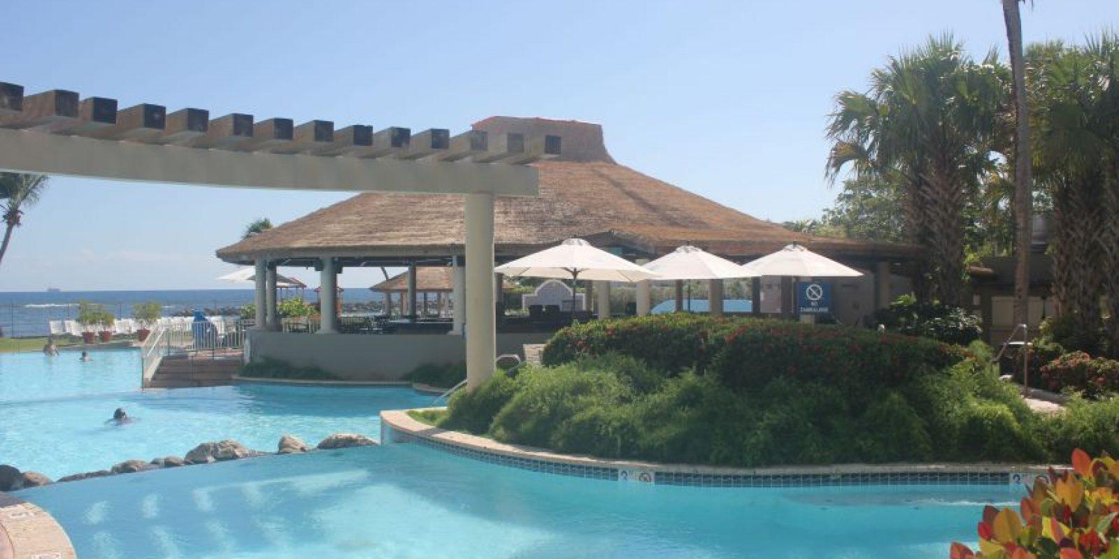 Vista del remodelado Blue Seahorse Pool Bar & Grill.. Imagen Por: