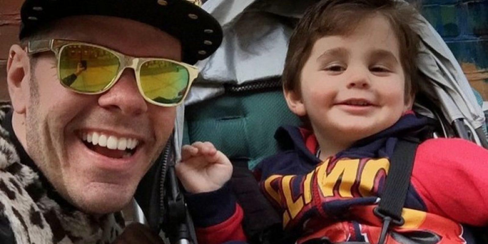 Se convirtió en padre cuando nació su hijo Mario, a través de un vientre en alquiler Foto:Vía instagram.com/perezhilton/. Imagen Por: