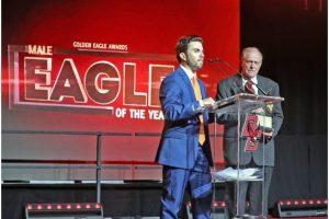 Raúl Ríos fue honrado como el Eagle of the Year en Boston College. Foto:Suministrada. Imagen Por: