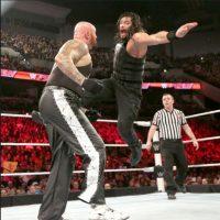 Pero el combate fue suspendido por la intervención prohibida de The Bullet Club, cuando ya habían sido eliminados Foto:WWE. Imagen Por: