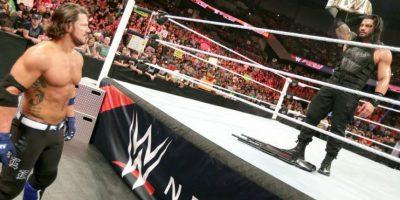 Al final, Reigns y Styles quedaron en la contienda Foto:WWE. Imagen Por: