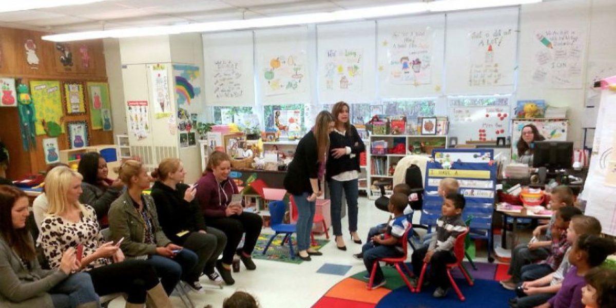 Maestra se vuelve viral por alentadores mensajes a alumnos