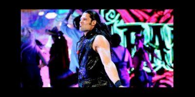 Es un luchador sudafricano de 36 años Foto:WWE. Imagen Por: