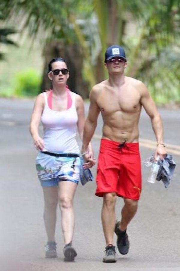 Reafirmaron la sospecha de su noviazgo al caminar tomados de las manos. Foto:Grosby Group. Imagen Por: