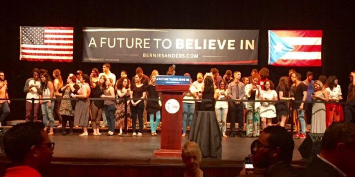 Bernie Sanders llega al teatro de la IUPI