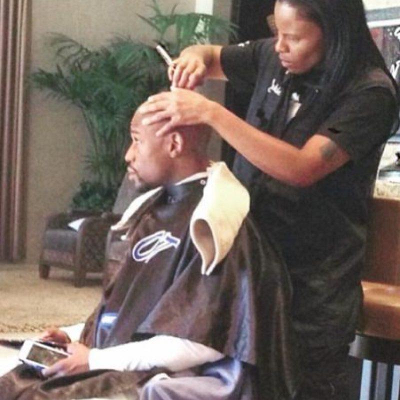 Y paga mil dólares por cada corte de cabello Foto:Vía instagram.com/floydmayweather. Imagen Por: