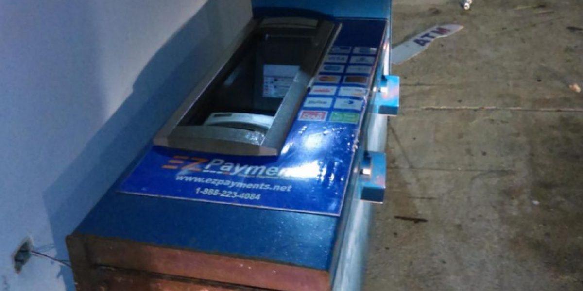 Delincuentes intentan llevarse cajero automático de gasolinera en Ceiba