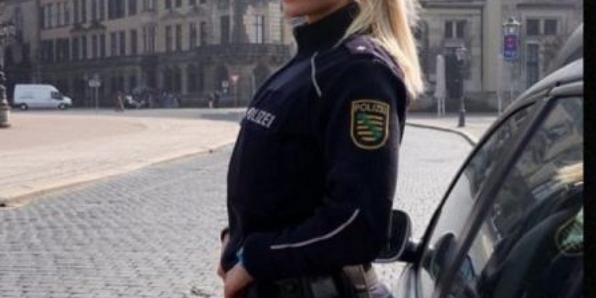 Guapa policía latina que enciende las redes