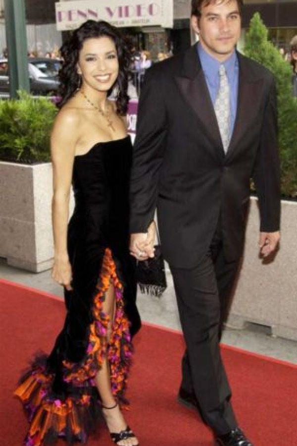 La actriz se casó por primera vez en 2002 con el actor Tyler Christopher. Foto:Getty Images. Imagen Por: