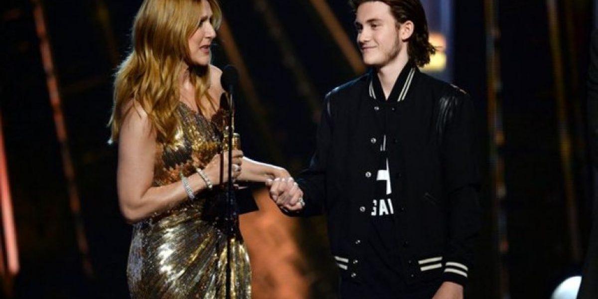 Hijo de Celine Dion se roba la atención en redes sociales