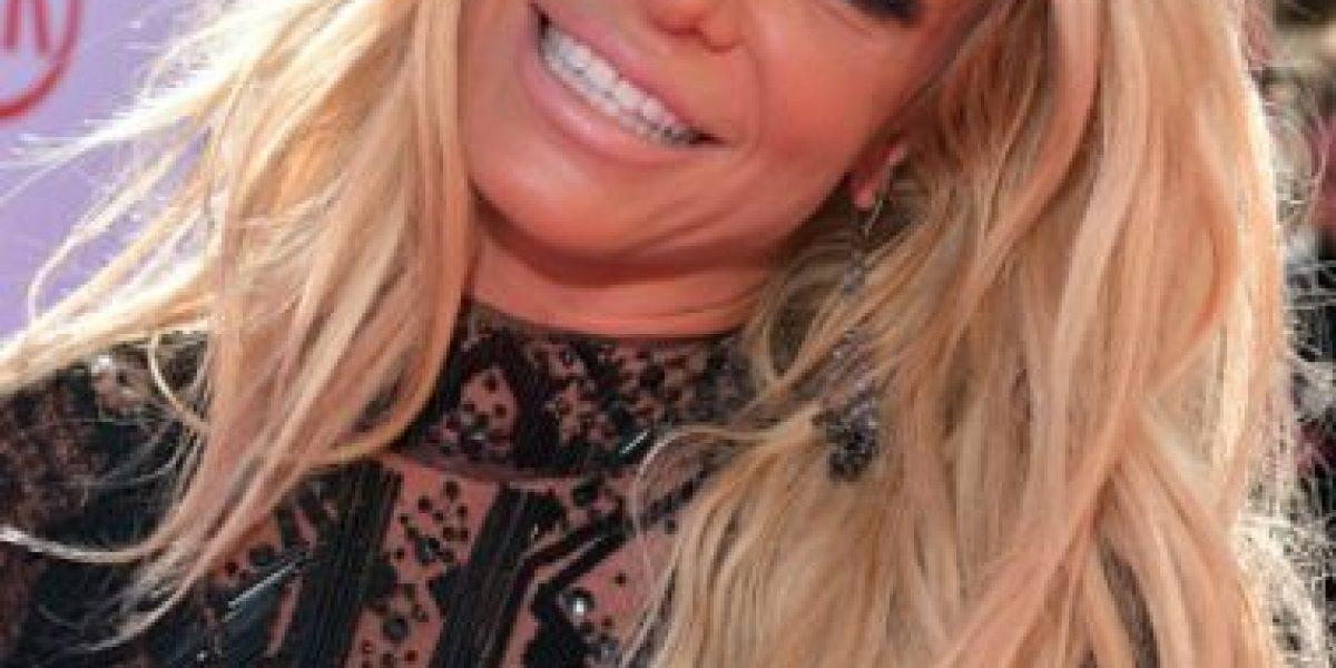 ¿Qué le pasó en la cara a Britney? Así lució en los Billboard