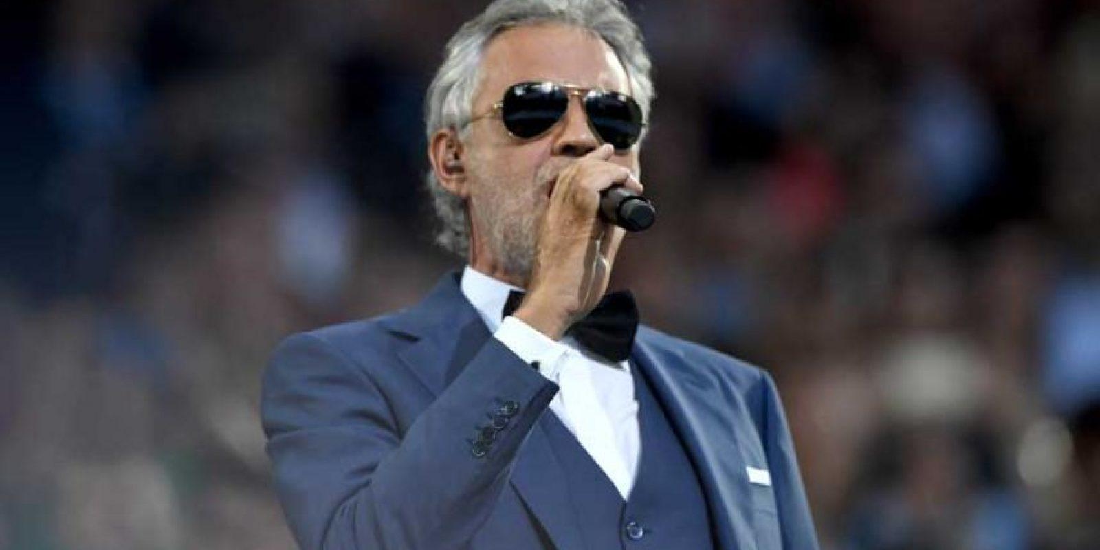 El tenor Andrea Bocelli hizo vibrar a los asistentes con su mágica voz. Foto:Getty Images. Imagen Por: