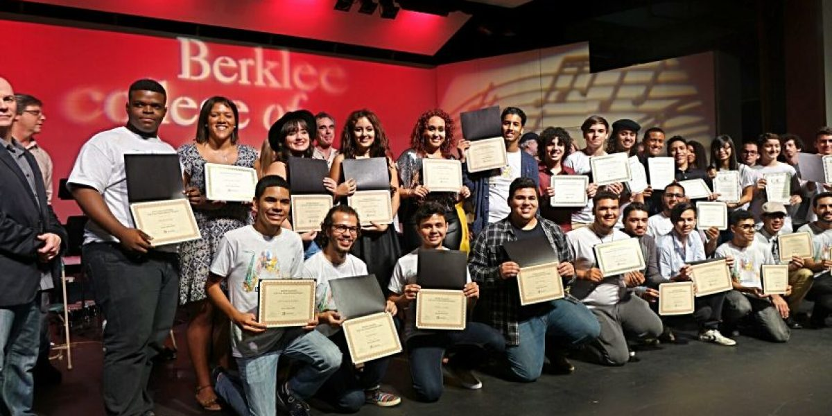209 estudiantes puertorriqueños culminan talleres de Berklee en Puerto Rico