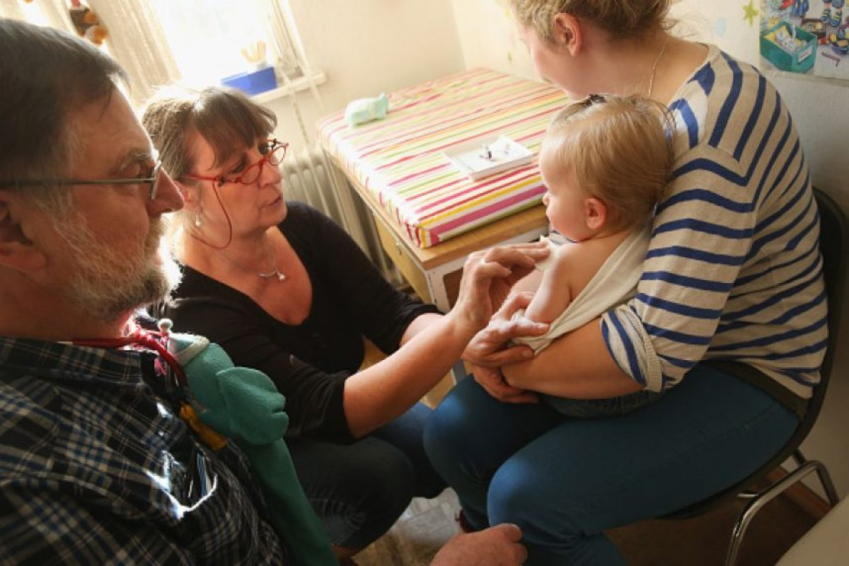 La inmunización brinda la oportunidad de aplicar otras medidas que salvan vidas. Foto:Getty Images. Imagen Por: