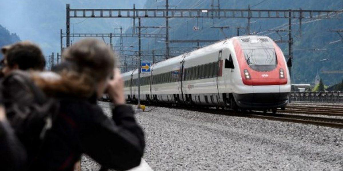Suiza inaugura túnel ferroviario más largo del mundo