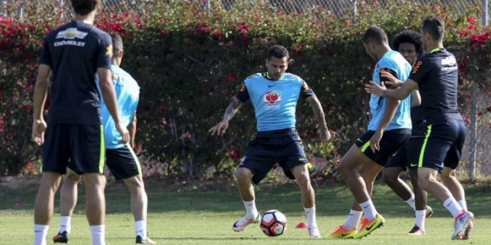 Dunga ha sufrido con las bajas en la previa del torneo y también con la ausencia de Neymar, quien sólo fue autorizado por Barcelona para jugar los Juegos Olímpicos Foto:AFP. Imagen Por: