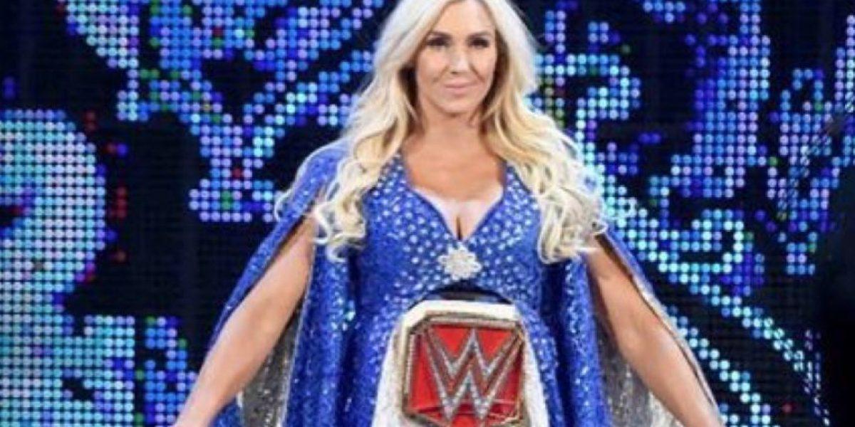 WWE: Preguntan en las redes sociales a Charlotte si es hombre