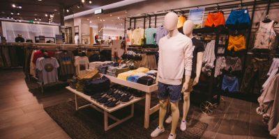 Parte de la sección de hombres en H&M. Foto:Suministrada: Worldjunkies. Imagen Por: