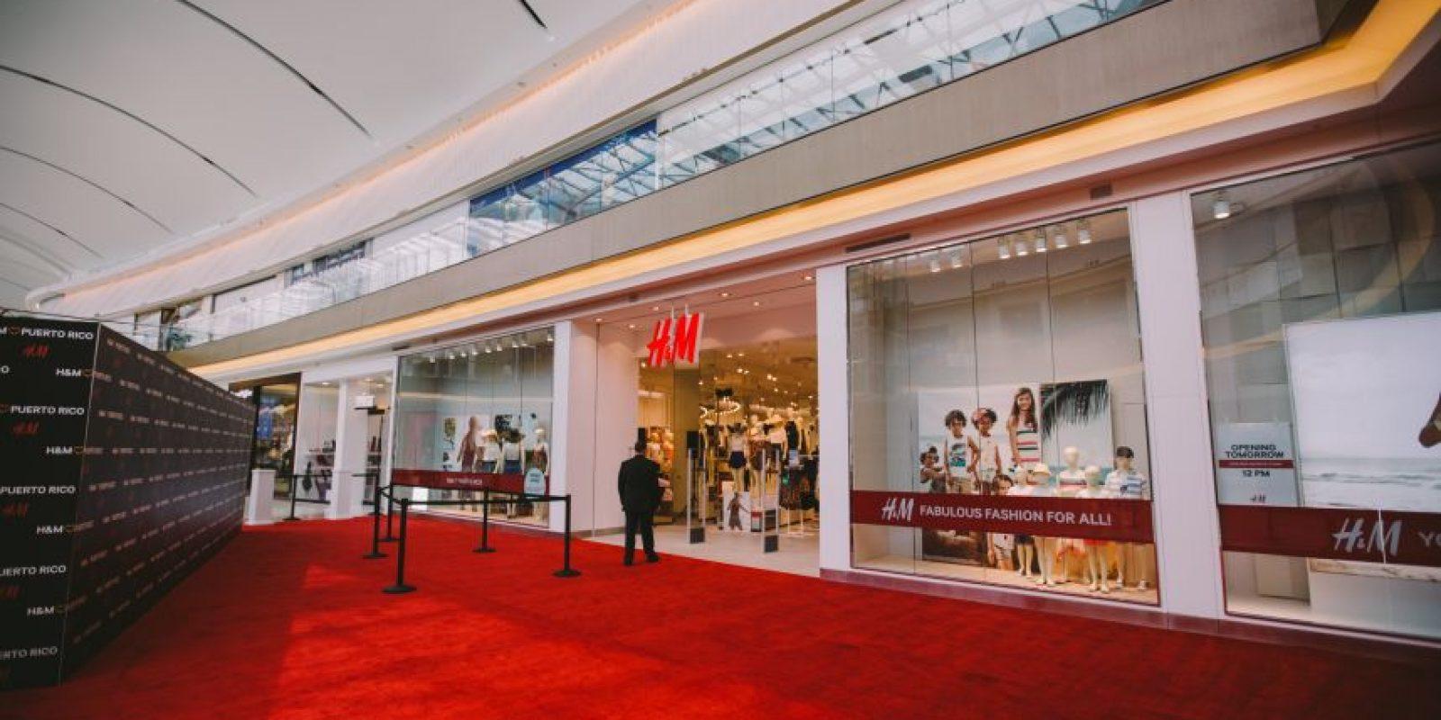 La entrada a la tienda de H&M en The Mall of San Juan. Foto:Suministrada: Worldjunkies. Imagen Por: