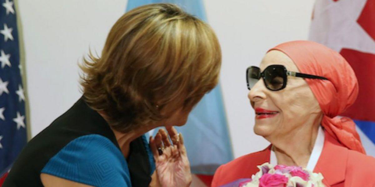 Primera Dama recibe al Ballet Nacional de Cuba y su fundadora