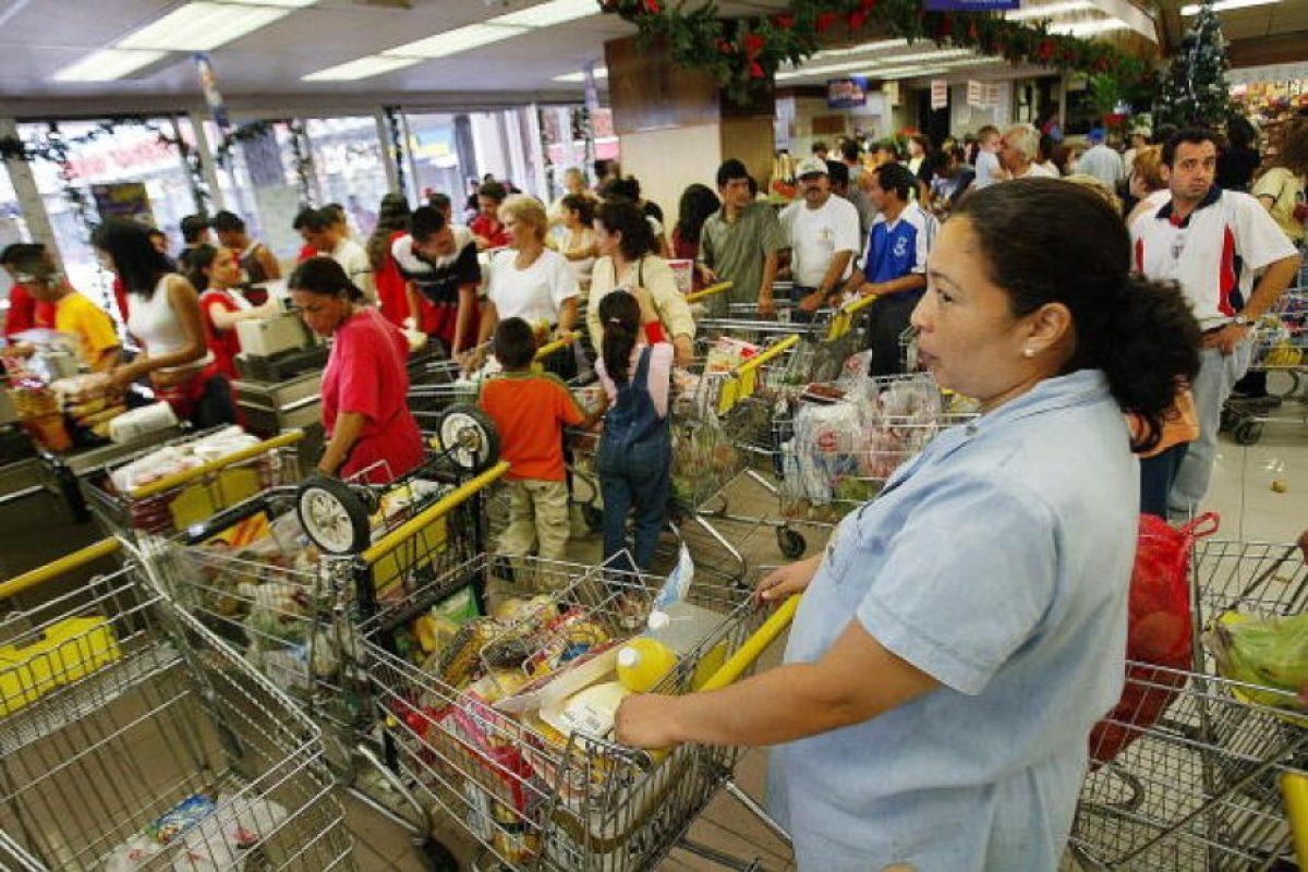 Hay escasez de productos básicos Foto:Getty Images. Imagen Por: