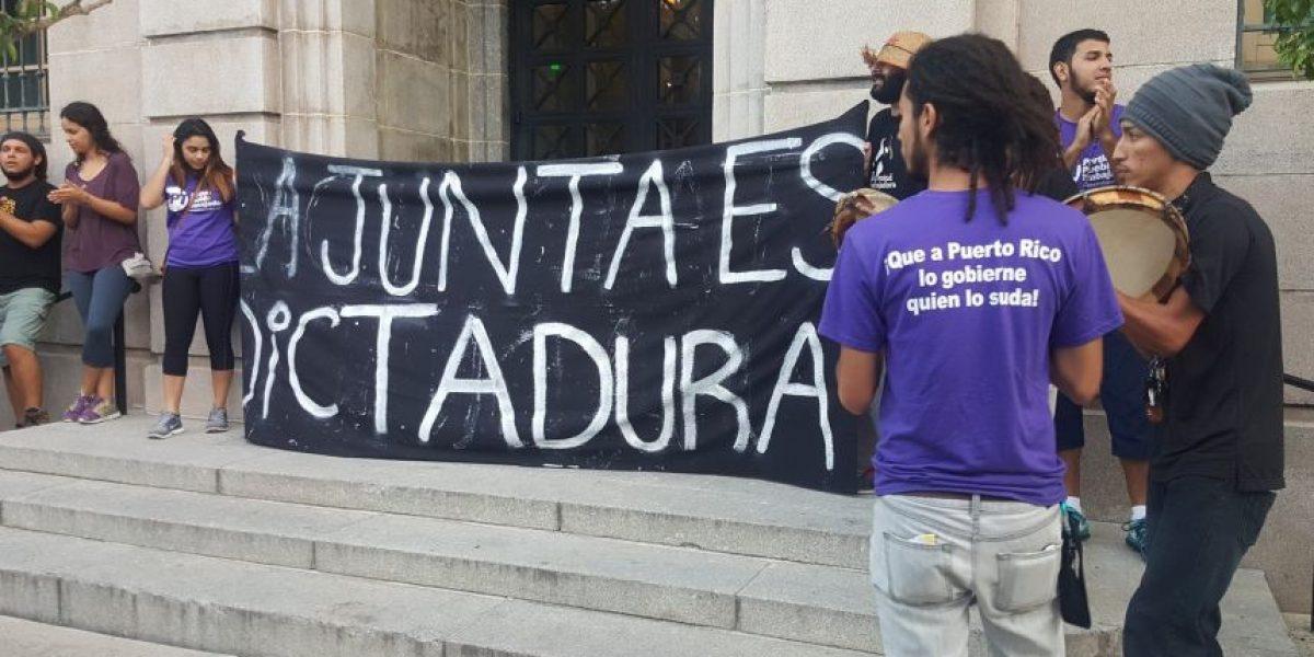 Desobediencia civil ante Tribunal de Federal contra Junta de Control Fiscal