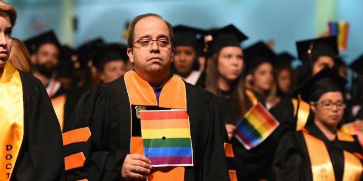 Graduandos y profesores del Turabo muestran apoyo a comunidad LGBTT