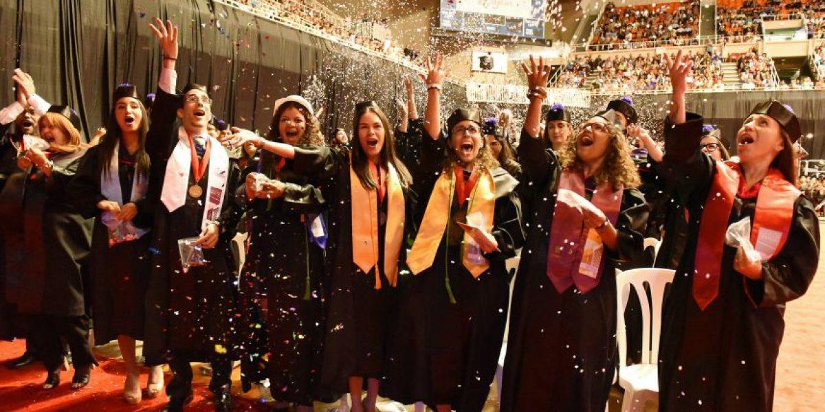 Más de 2,000 estudiantes se gradúan de la UPR Río Piedras