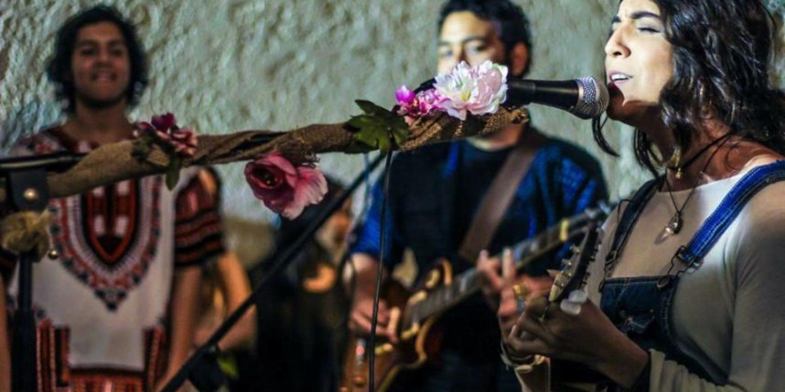 Amapola- Andrea Melina y Rafa Rivera Foto:Facebook. Imagen Por: