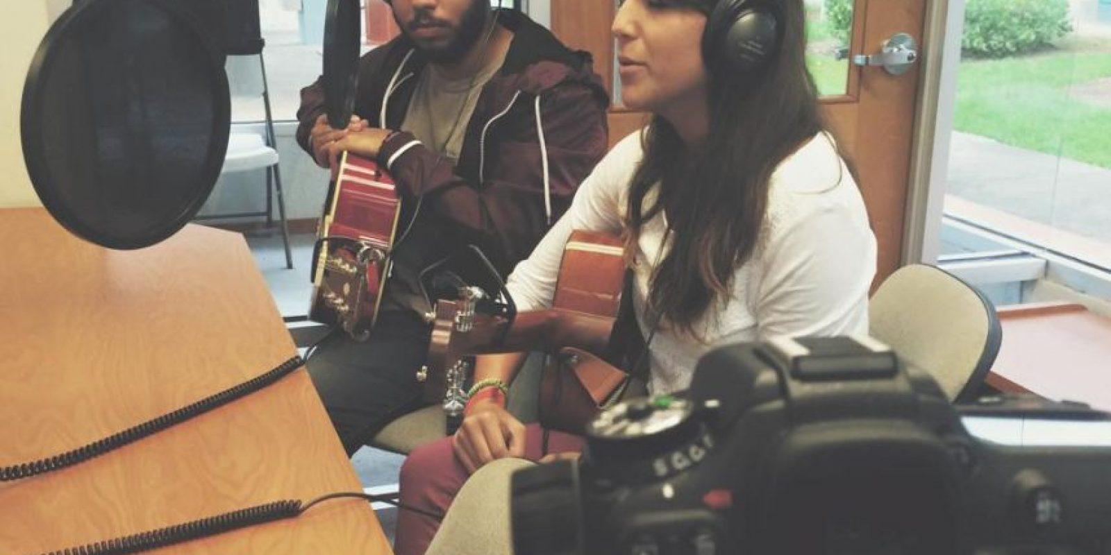 Amapola – Andrea Melina y Rafa Rivera Foto:Facebook. Imagen Por: