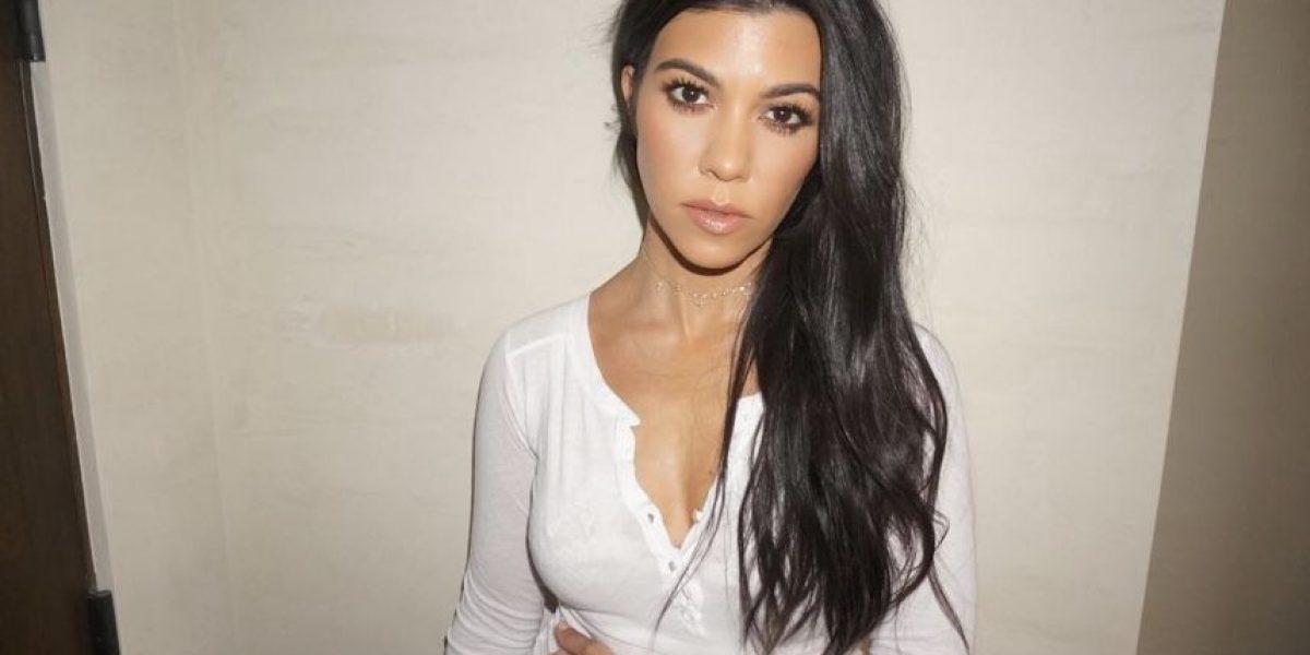Fans de Kourtney Kardashian molestos con ella por foto con estrellas de mar