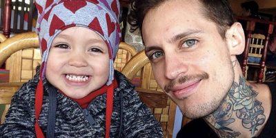 Pablo Holman, exintegrante de Kudai, con su hija Foto:Instagram @pablovonterror. Imagen Por: