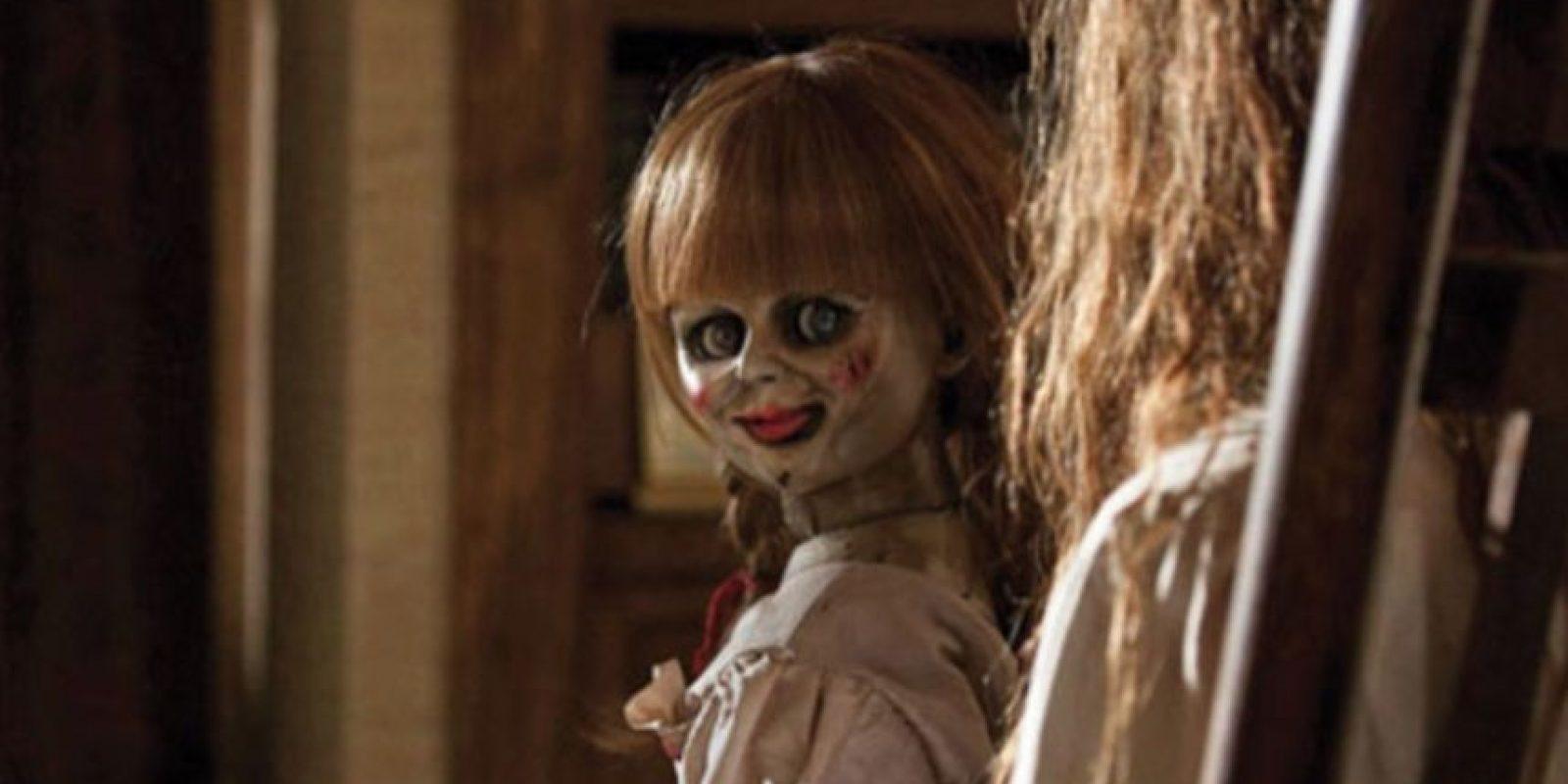 Annabelle: la muñeca estaba poseída por una supuesta niña llamada Annabelle Higgins, pero era una presencia más maligna. Foto:vía Warner Brothers. Imagen Por: