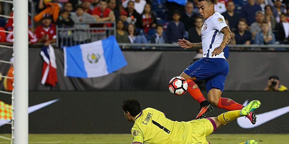 Goleador chileno Vargas se codea con los grandes