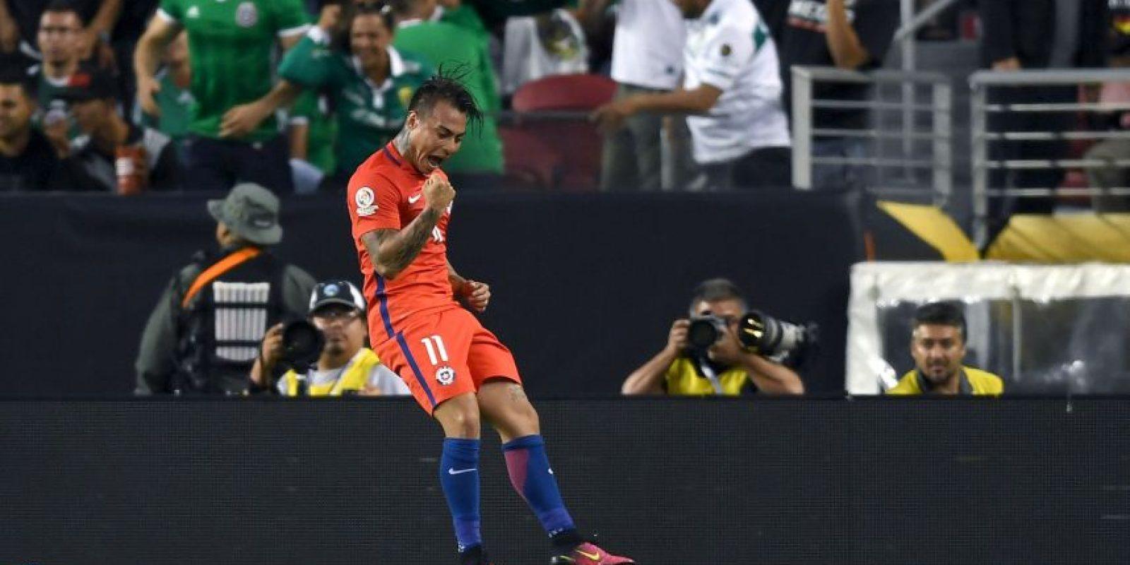Eduardo Vargas se despachó un póker ante México Foto:Getty Images. Imagen Por:
