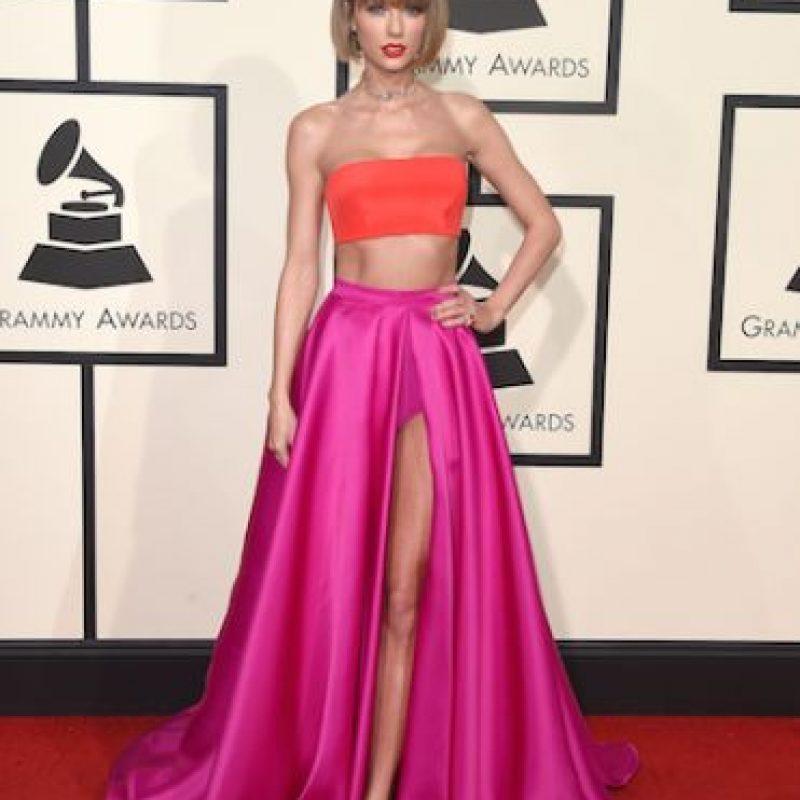 Así ha lucido el busto de Taylor en diferentes ocasiones Foto:Getty Images. Imagen Por: