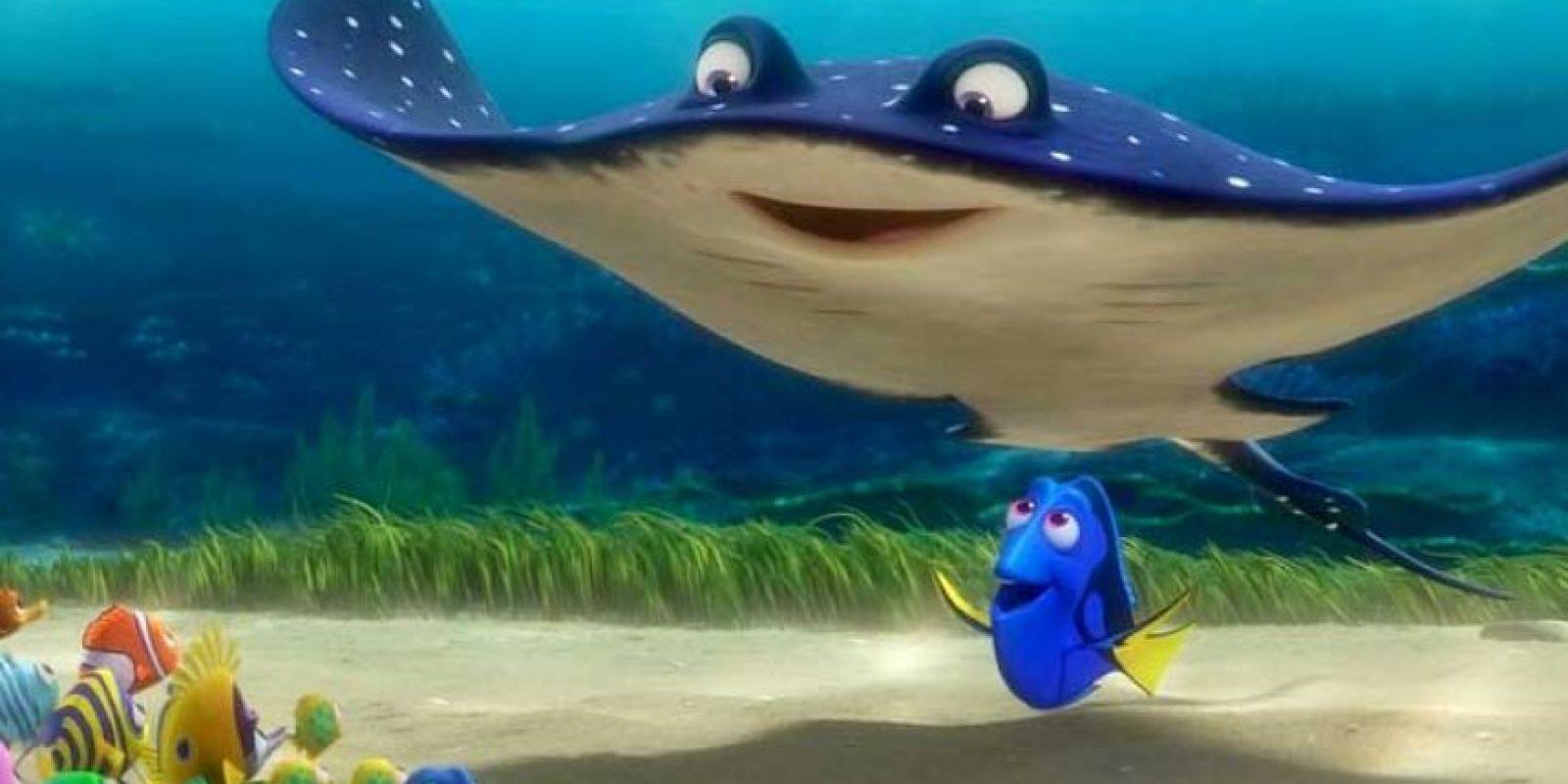Su actitud positiva, optimista y claro, su falta de memoria a corto plazo, la hicieron un personaje muy querido. Foto:Disney Pixar. Imagen Por: