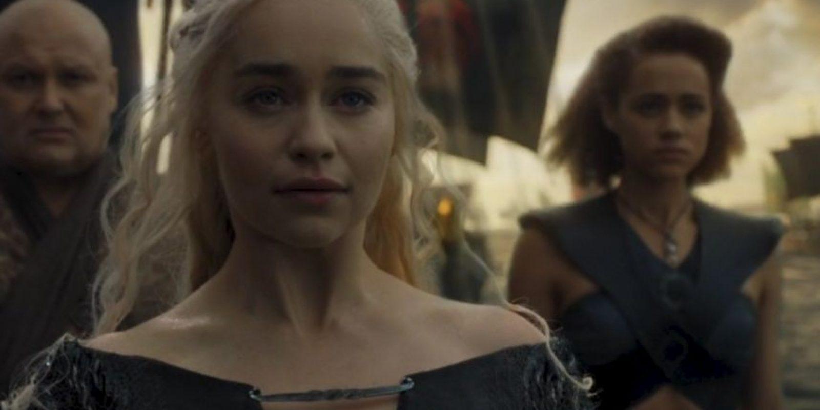Lo que esperaron por años los fans: ver a Daenerys invadir Westeros. Foto:HBO. Imagen Por: