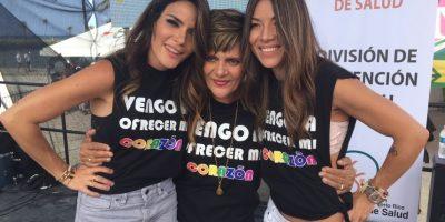 Kany García junto a su madre, Shela De Jesús, y su pareja Jocelyn Troche, en la Marcha de Orgullo LGBTTQI de Puerto Rico. Foto:David Cordero Mercado. Imagen Por: