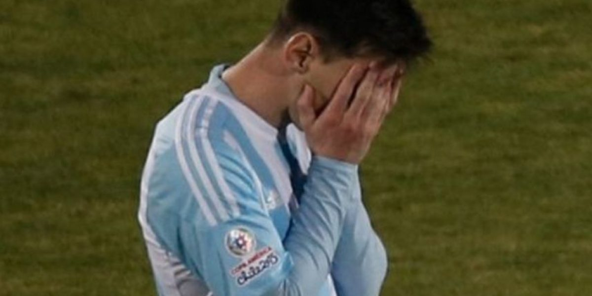 Famoso cantante pide a Messi que no renuncie con emotivo mensaje