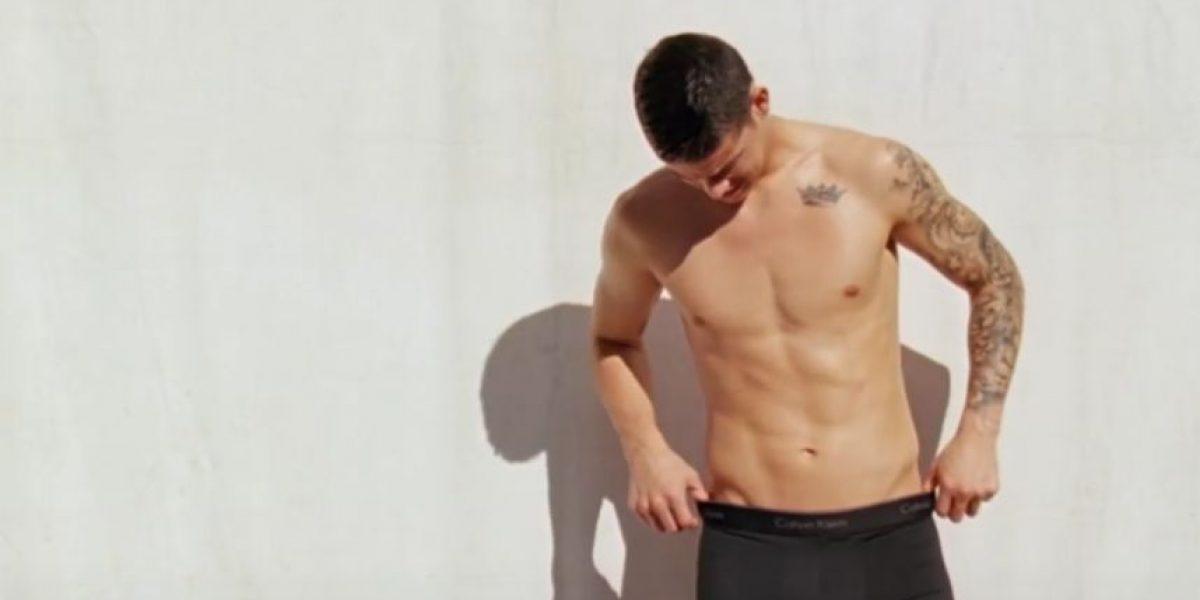 James Rodríguez se olvida de las canchas y posa en ropa interior